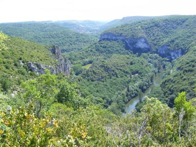 Gorge guided walking holiday in Tarn and Aveyron south west France