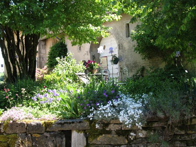 Chateau Chalon Jura self-guided walking France