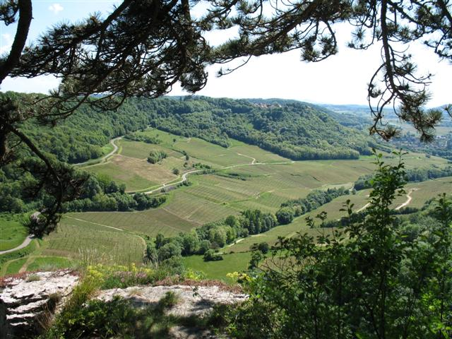 jura wine trail france self guided walking tour