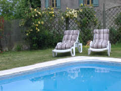 Le Claouzet swimming pool rental south west France for walking holiday