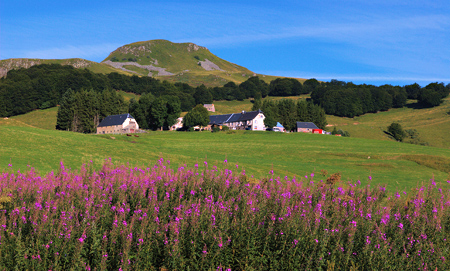Ferme de Fontaneix Sancy Auvergne puy de dome France guided walking holiday