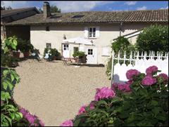 gite grille midi in Beaujolais France self catering rental for walking holiday