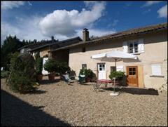 grille midi gite rental accommodation for walking holiday in France