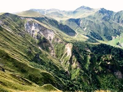 puy de sancy auvergne trekking france