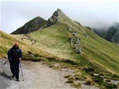 summit of auvergne walking tour in France