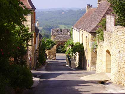domme street self guided French walking holiday Dordogne