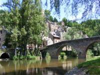 independent self catering walking holiday Tarn Aveyron France