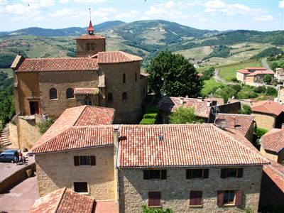 Bois d'Oingt Beaujolais walks guided walking holidays and tours