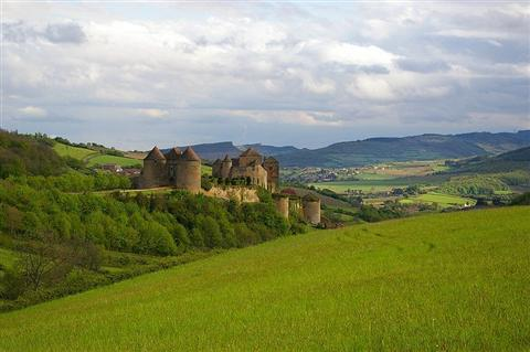 berze le chatel in south burgundy on independent walking holiday in France
