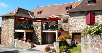 walking holiday correze central France accommodation la Bastidie