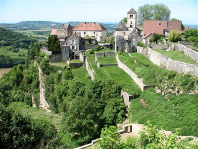 Chateau chalon jura wine guided walks break france