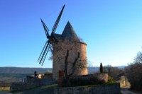 windmill goult French walking holiday Luberon