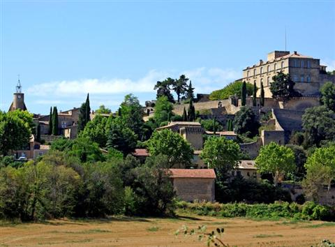 ansuois village in southern luberon in France walking holiday