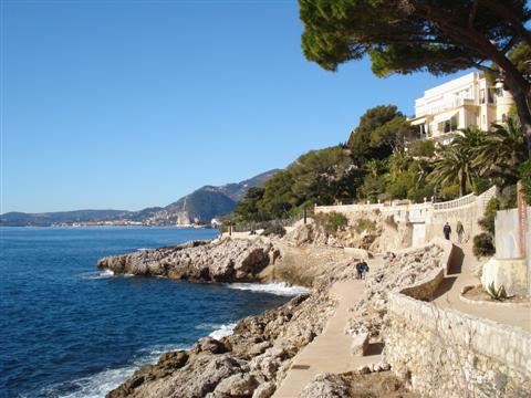 independent walking holiday coastal path in mediterranean alps