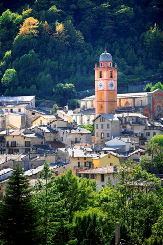 historic village independent walking holiday France alps to med