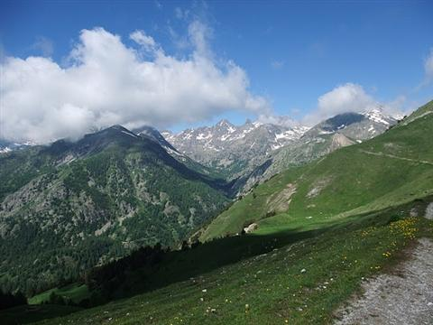 crossing french alps self guided trekking trip