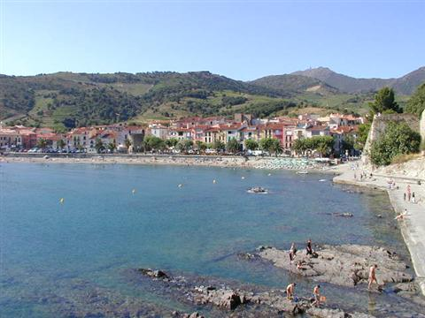 collioure south frane pyrenees walks