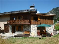 bouyic 3 bedroom ski chalet also walking in french alps