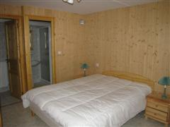 bedroom le doron pralognan in Vanoise French alps for walking holiday
