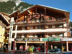 les melezes self catering accommodation in centre of pralognan in Alps France